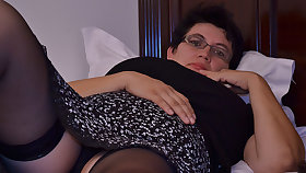 Horny Houswife Gettin' Enclosing Naughty - MatureNL