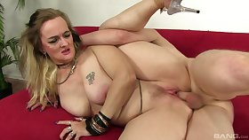 Heavy wife Lillith Lust wanted to be fucked near her first porno